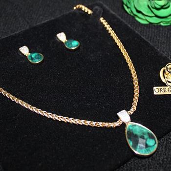 5-colar-e-brincos-banhados-a-ouro-com-rsmeralda-natural